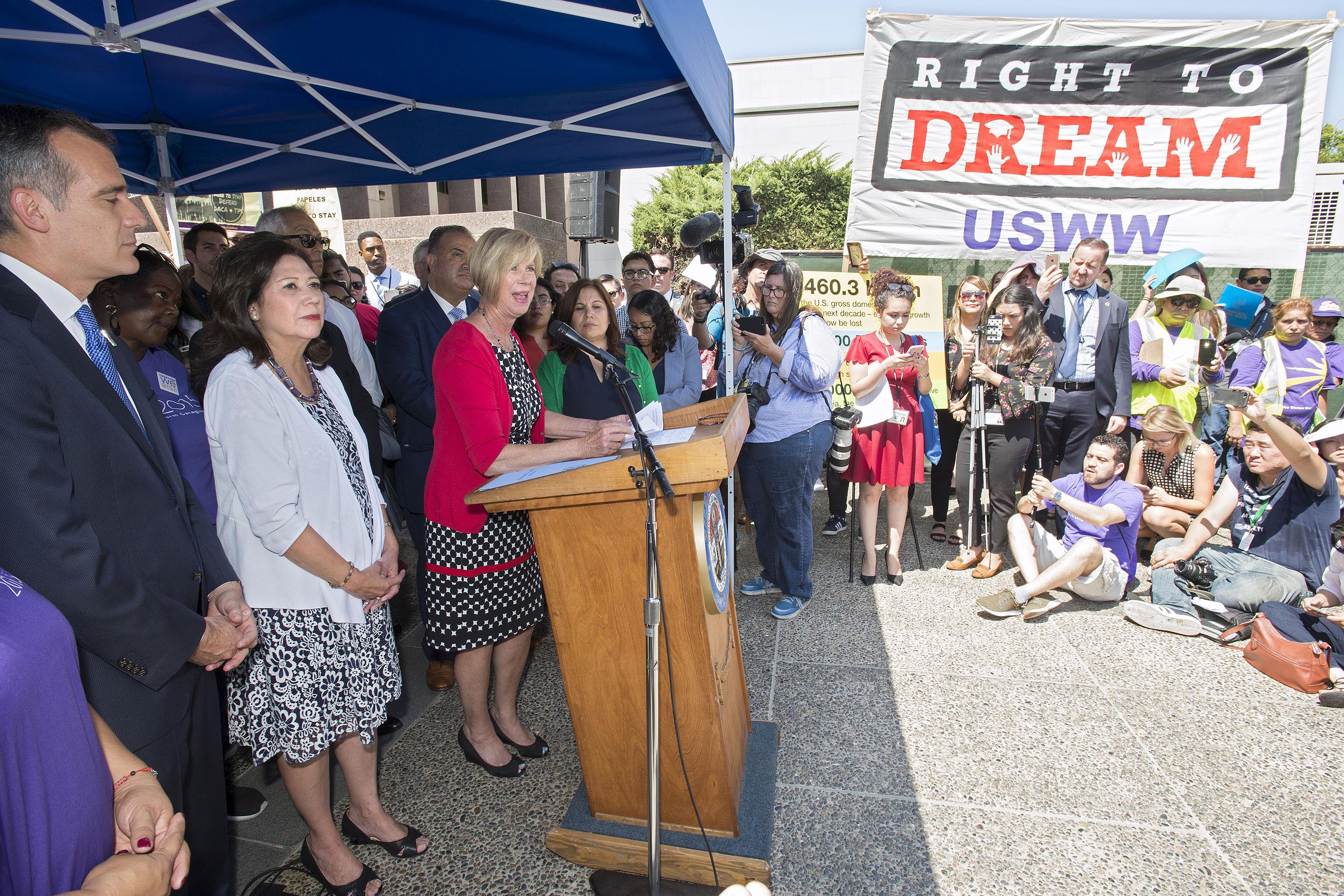 Districts 1 and 4 – Supervisors Hilda L Solis and Janice Hahn<br>  <b>Sept. 5, 2017 – DACA press conference.</b><br><i>Photo by Diandra Jay / Board of Supervisors</i>