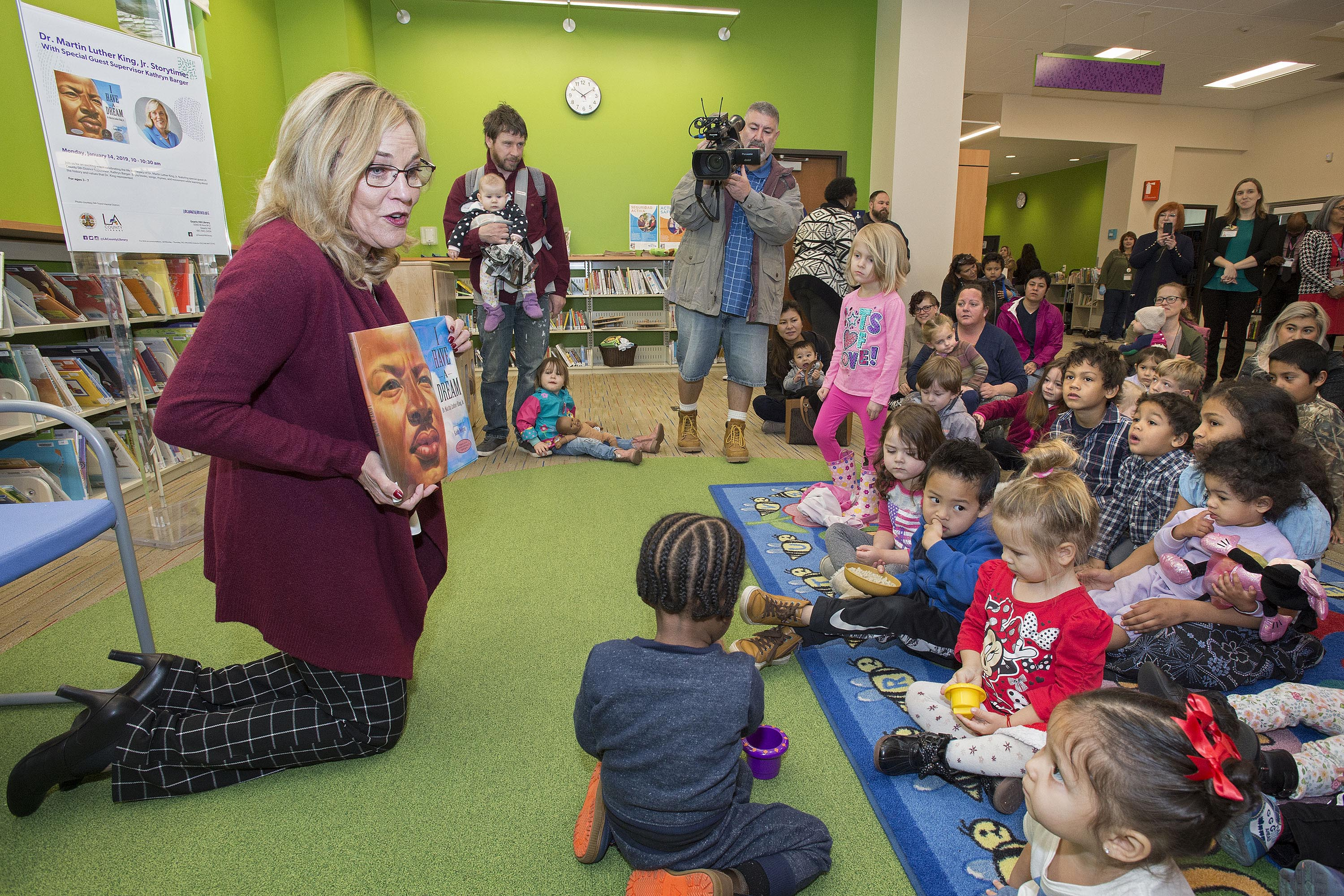 District 5 – Supervisor Kathryn Barger<br> <b>Jan. 14, 2019 – Quartz Hill Library book reading. </b><br> <i>Photo by Diandra Jay / Board of Supervisors</i>