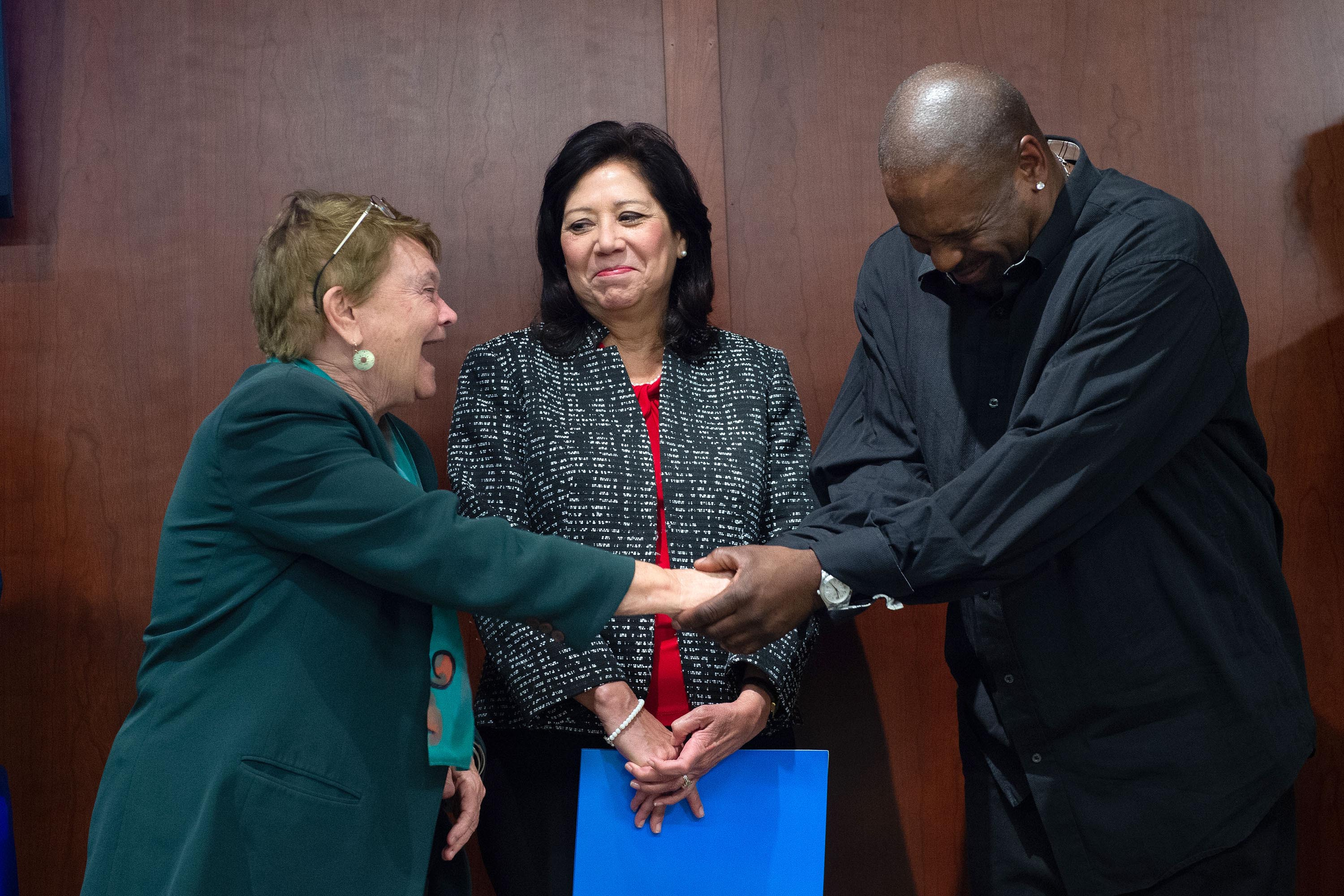 Districts 1 and 3 – Supervisors Sheila Kuehl and Hilda L. Solis<br> <b>April 22, 2019 – Ski Row homeless tour. </b><br> <i>Photo by Bryan Chan / Board of Supervisors</i>