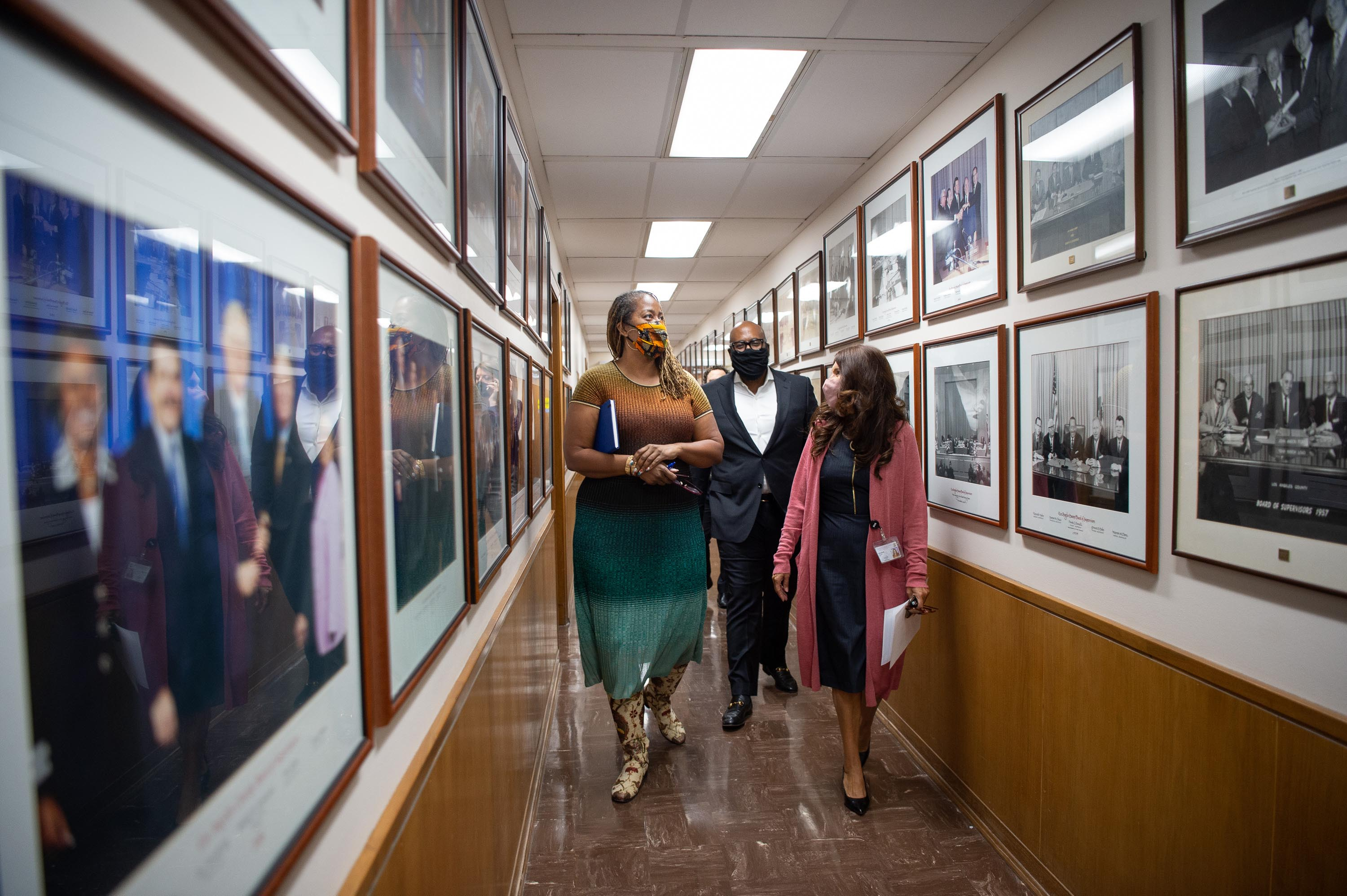 Executive Office<br>  <b>Nov. 16, 2020 – Supervisor-Elect Holly J. Mitchell's welcome to the Kenneth Hahn Hall of Administration.</b><br>  <i>Photo by Bryan Chan / Board of Supervisors</i>