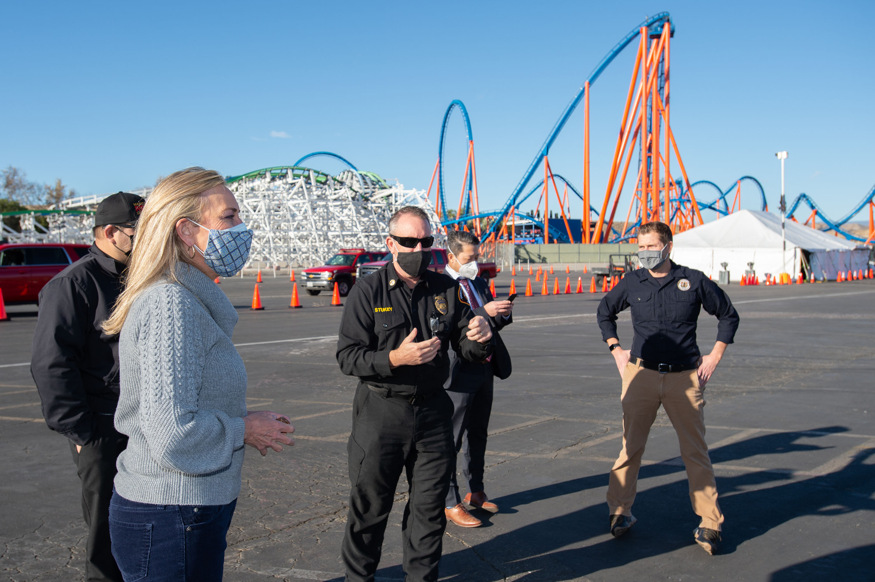 District 5 – Supervisor Kathryn Barger<br> <b>Jan. 20, 2021 - Vaccine Distribution at Magic Mountain </b><br> <i>Photo by David Franco / Board of Supervisors</i>