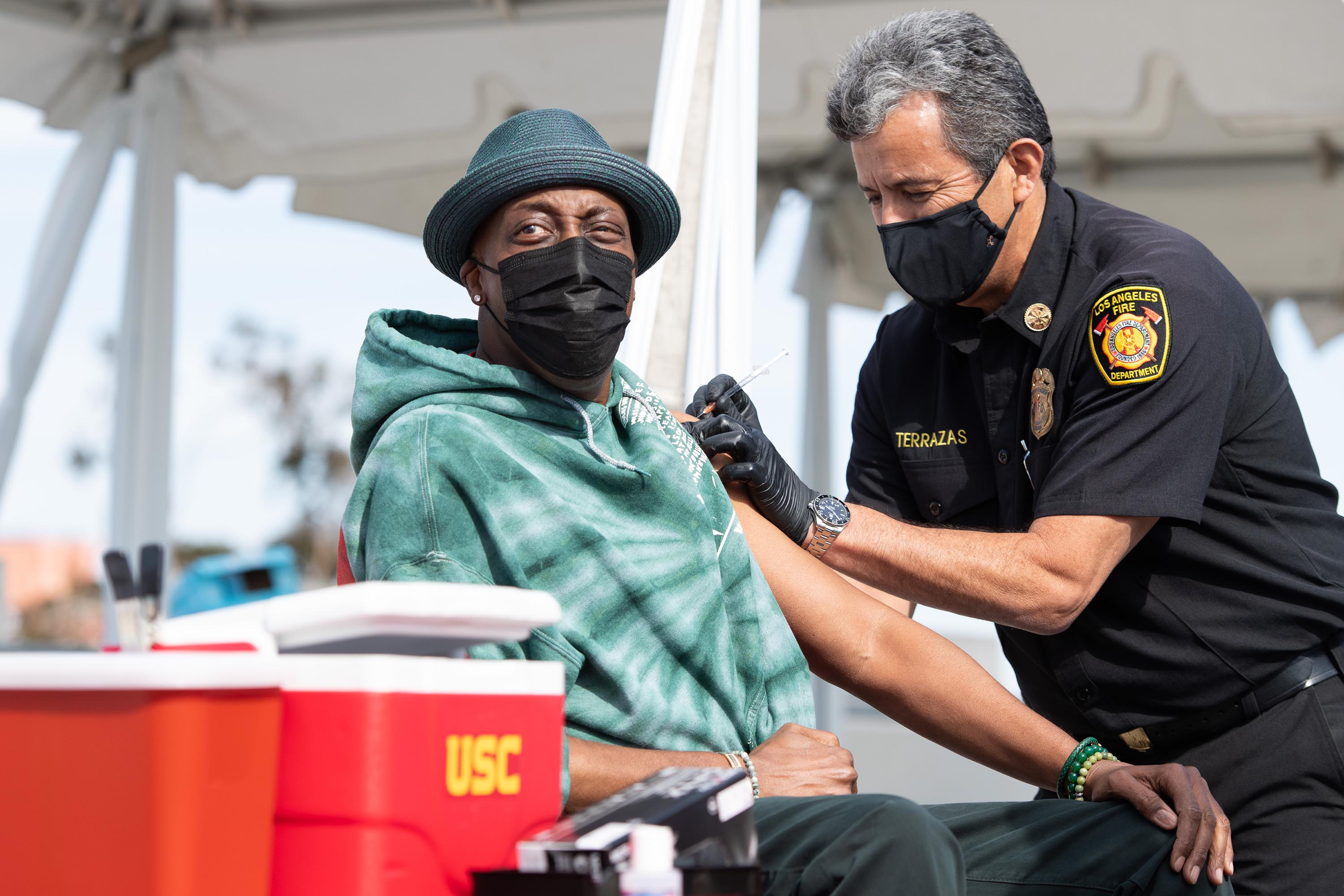 District 2 – Supervisor Holly J Mitchell<br> <b>March 24, 2021 - Arsenio Hall gets his COVID-19 vaccination at USC.</b><br><i>Photo by Bryan Chan / Board of Supervisors</i>