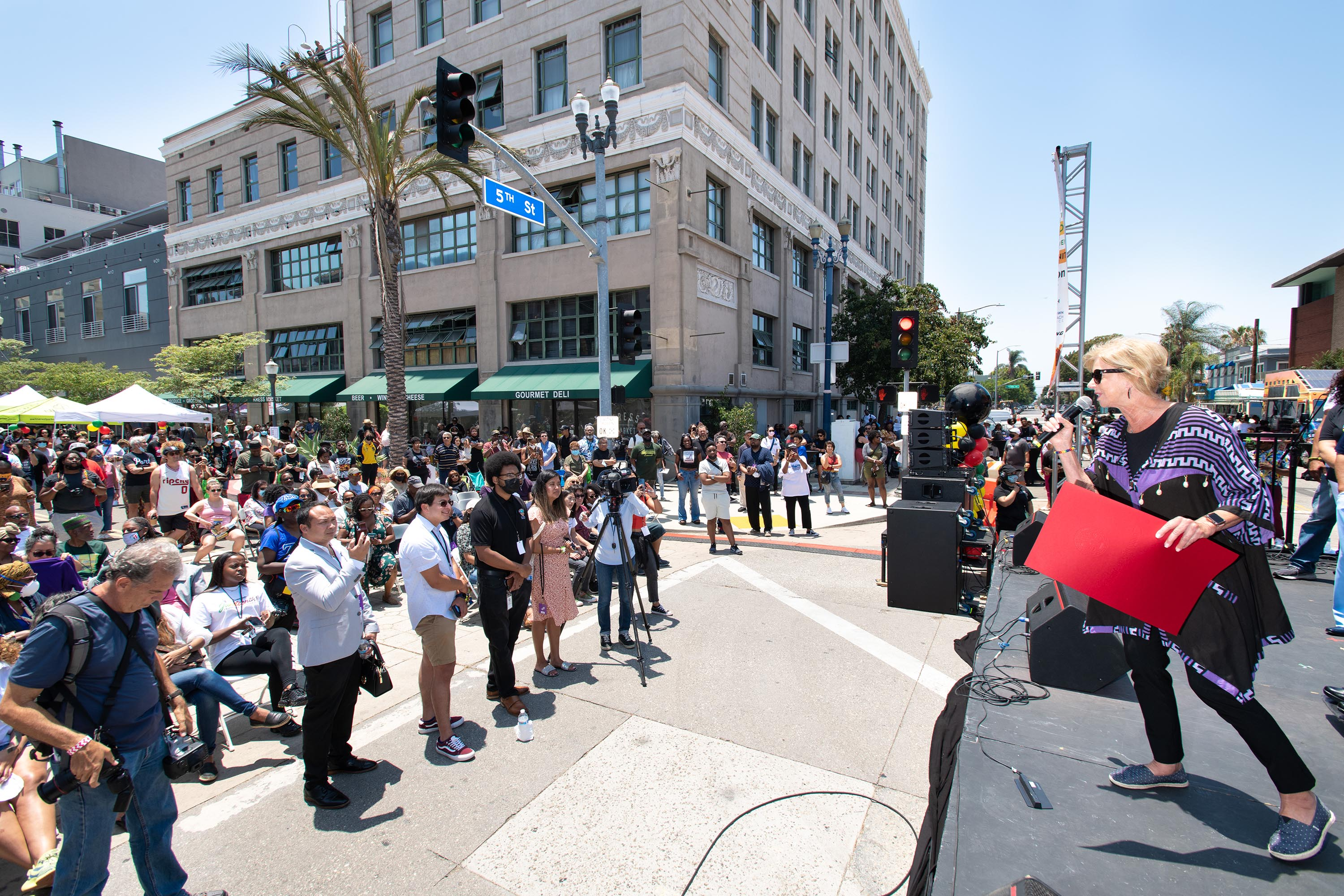 District 4 – Supervisor Janice Hahn<br>  <b>June 19, 2021 – Long Beach Juneteenth </b><br> <i>Photo by Bryan Chan / Board of Supervisors</i>